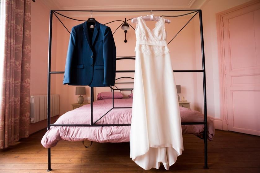 dress-2073427_1280