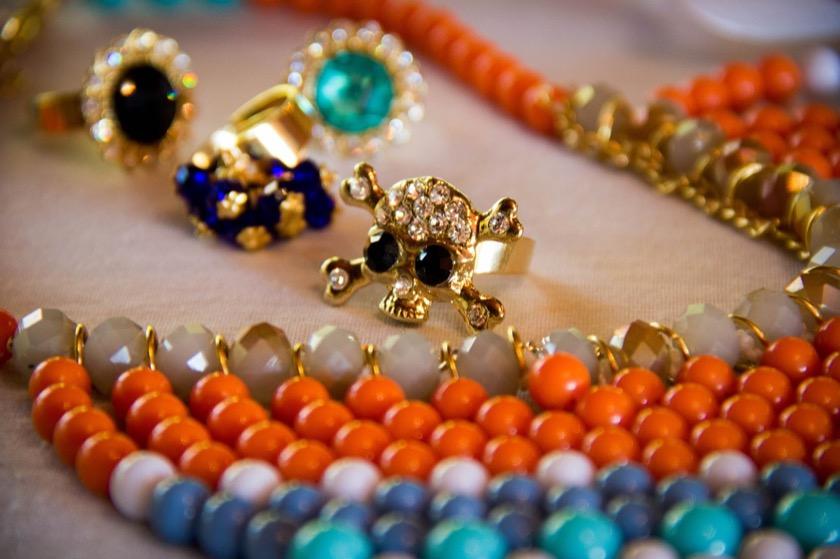 jewelry-716789_1280