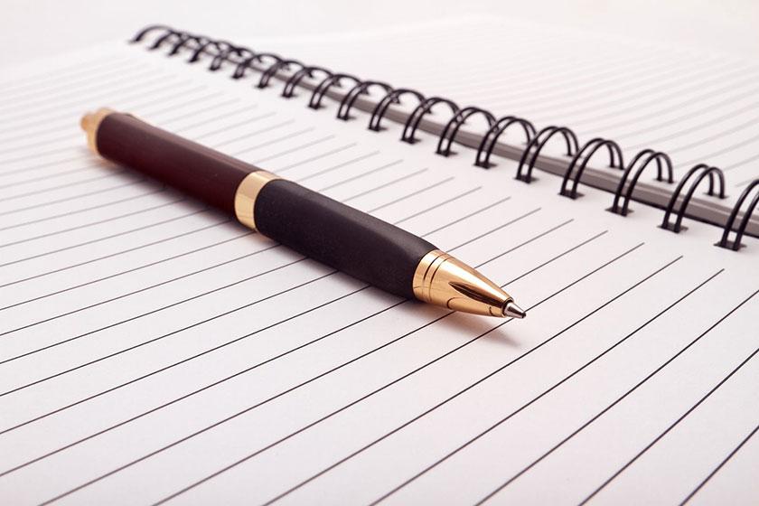 ペンと日記帳