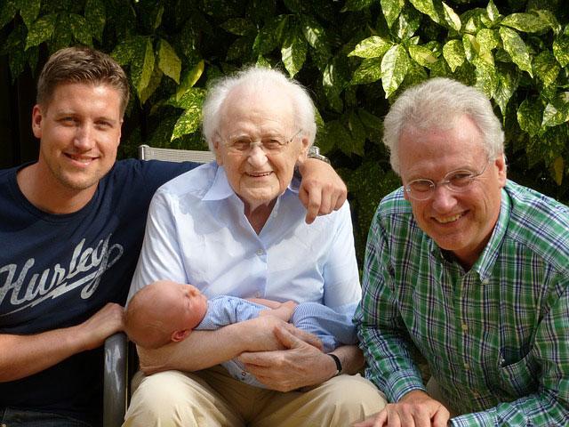 祖父と父と子と孫4世代