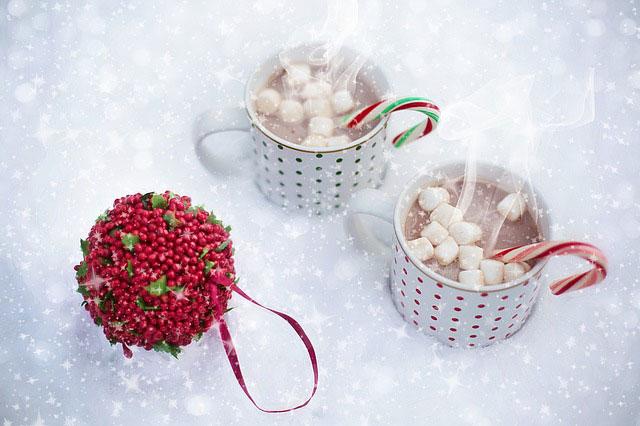 マシュマロを浮かべたホットチョコレート