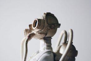 ガスマスクを付けたロボット