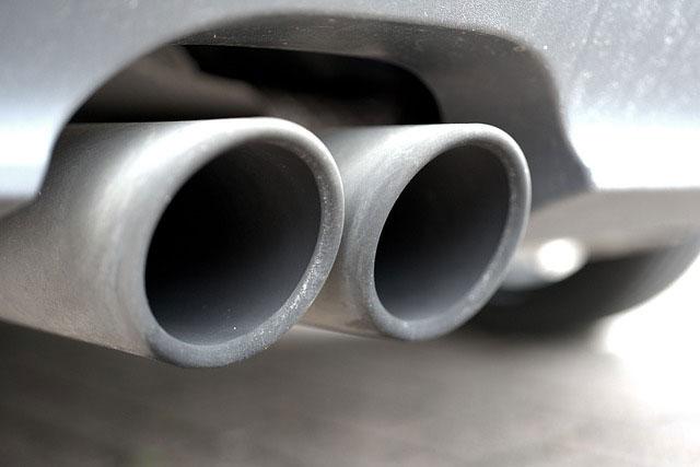 車の排気筒